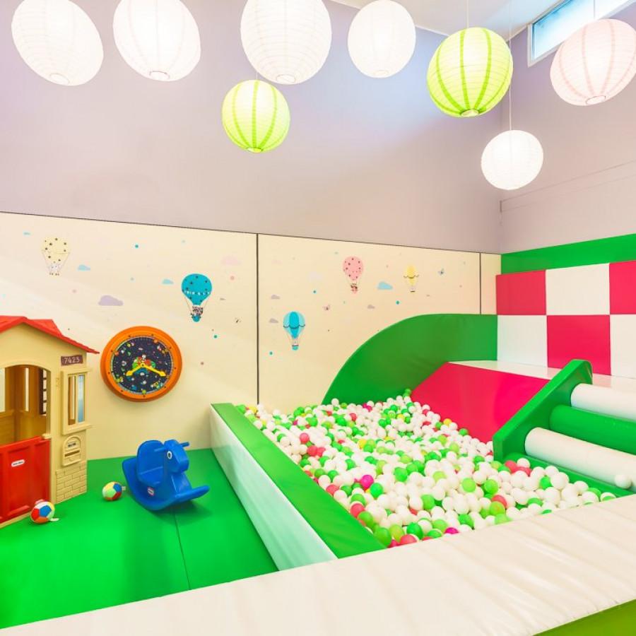 /thumbs/fit-900x900/2019-03::1553794211-centrum-zabaw-i-trampolin-hopsa-6.jpg